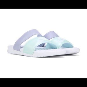 NIKE Women's Benassi Duo Ultra Slide Sandal